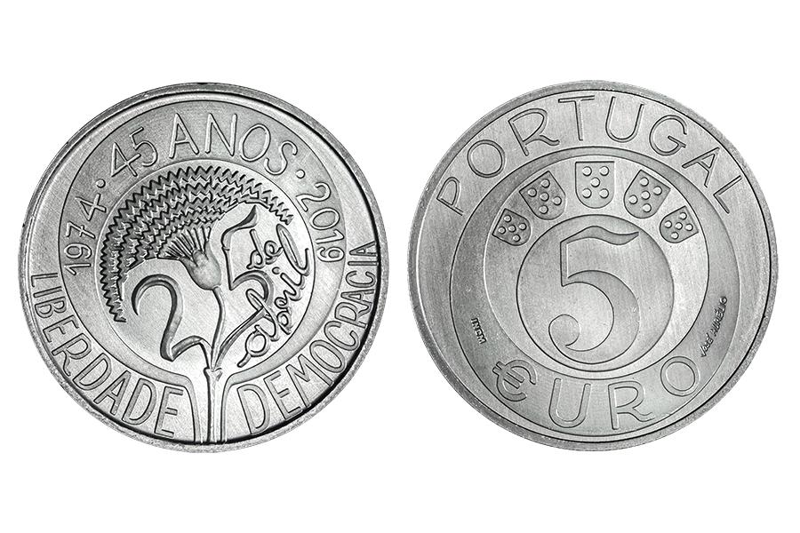 Португалия 5 евро 2019 г. 45 лет революции гвоздик.